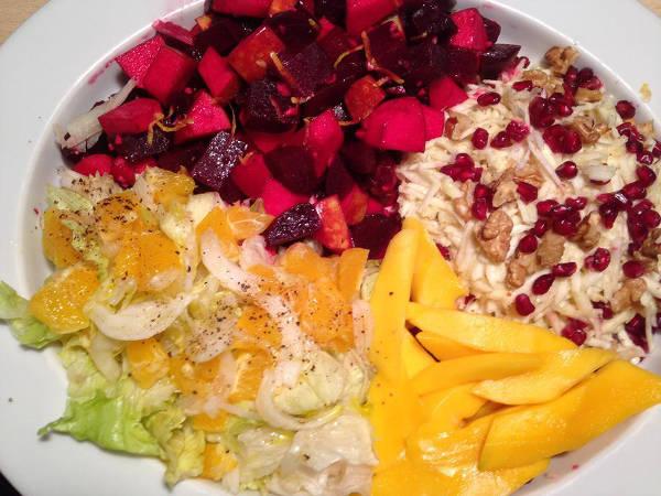 kogte rødbeder hvidkål med appelsin mango selleri med valnødder