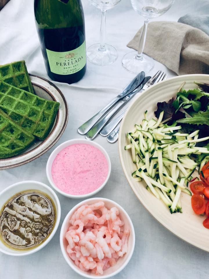Spinatvafler med rejer og rogncreme2